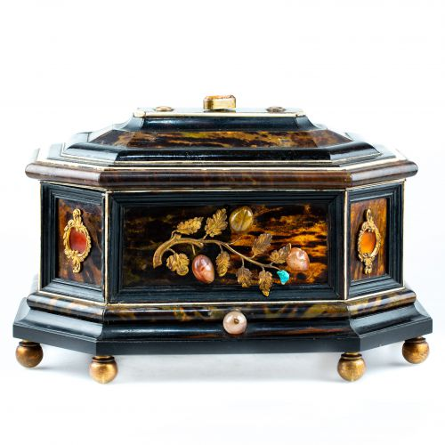 Italian box in wood and tortoiseshell - Florence, circa 1700